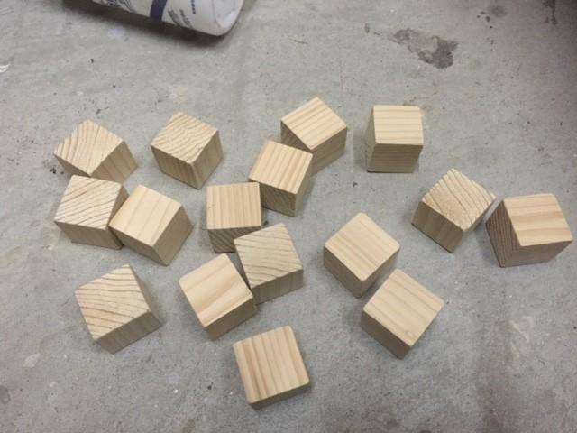 16個のキューブを作成