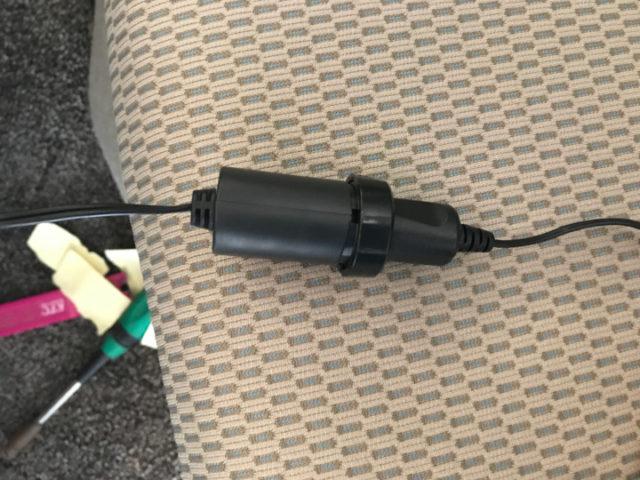 ソケット電源にシガー電源を接続